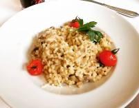 Ebly Weizen Risotto mit Waldpilzen und Käse